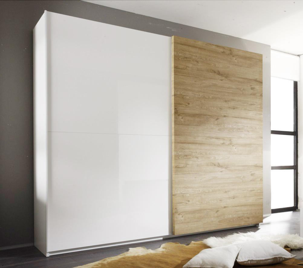 Шкаф-купе в гостиную c широкими дверьми, светло дерево.